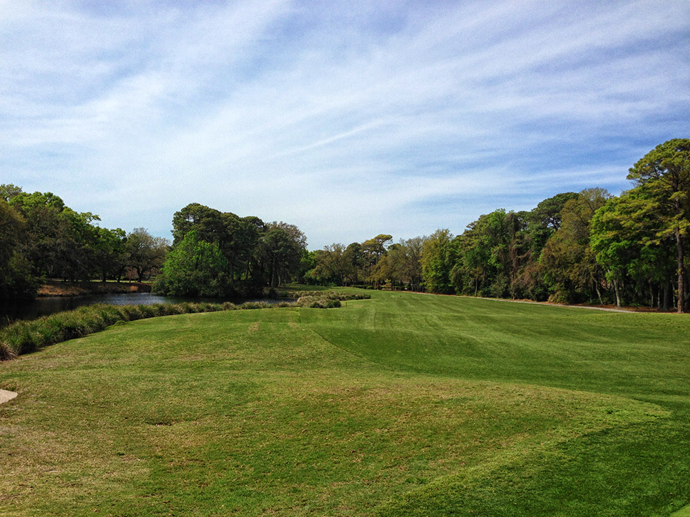 Hole 1 at Robbers Row on Port Royal Golf Club