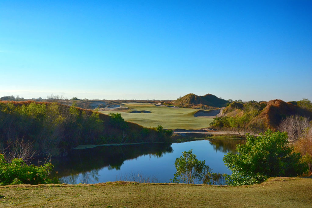Streamsong Red Hole 1