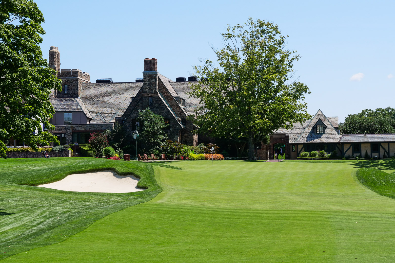 The 18th at Winged Foot West with the historic clubhouse in the background.