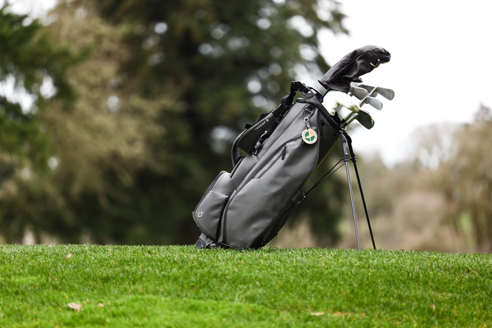 Vessel Player III Golf Bag in Grey